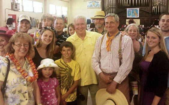 Huell Howser and a crowd of fans. El Dorado County Fair, Placerville