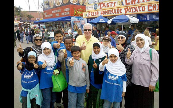 Huell Howser and friends give the fair a thumbs up. San Diego County Fair, Del Mar